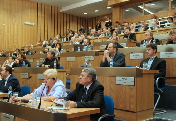 2. veřejné zasedání zastupitelstva: Navrhujeme zřízení Komise ICT