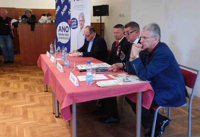 Dvoudenní návštěvu Olomoucka zahájil ministr financí debatou s občany