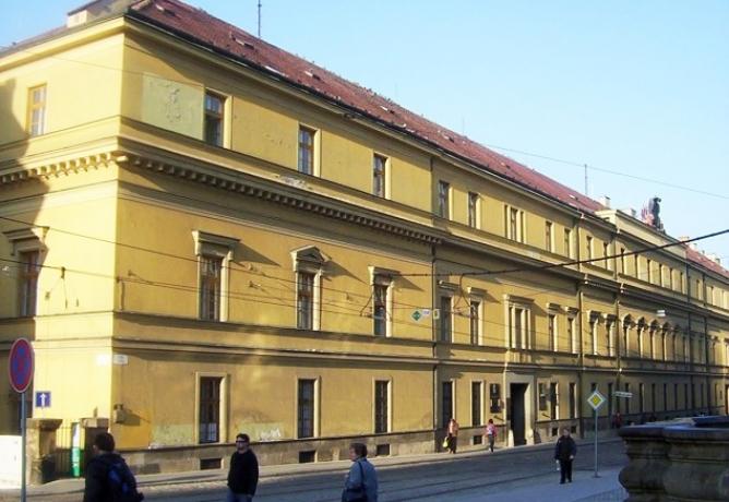Co s objektem Hanácká kasárna v centru města?